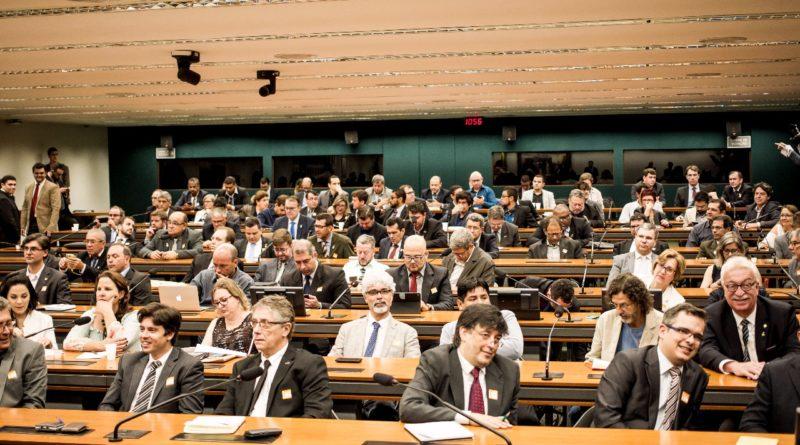 Dirigentes de universidades e institutos federais vão apresentar 13 reivindicações ao MEC