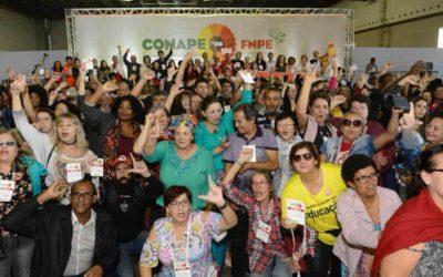 Em conferência, entidades alertam para desmonte da educação pública